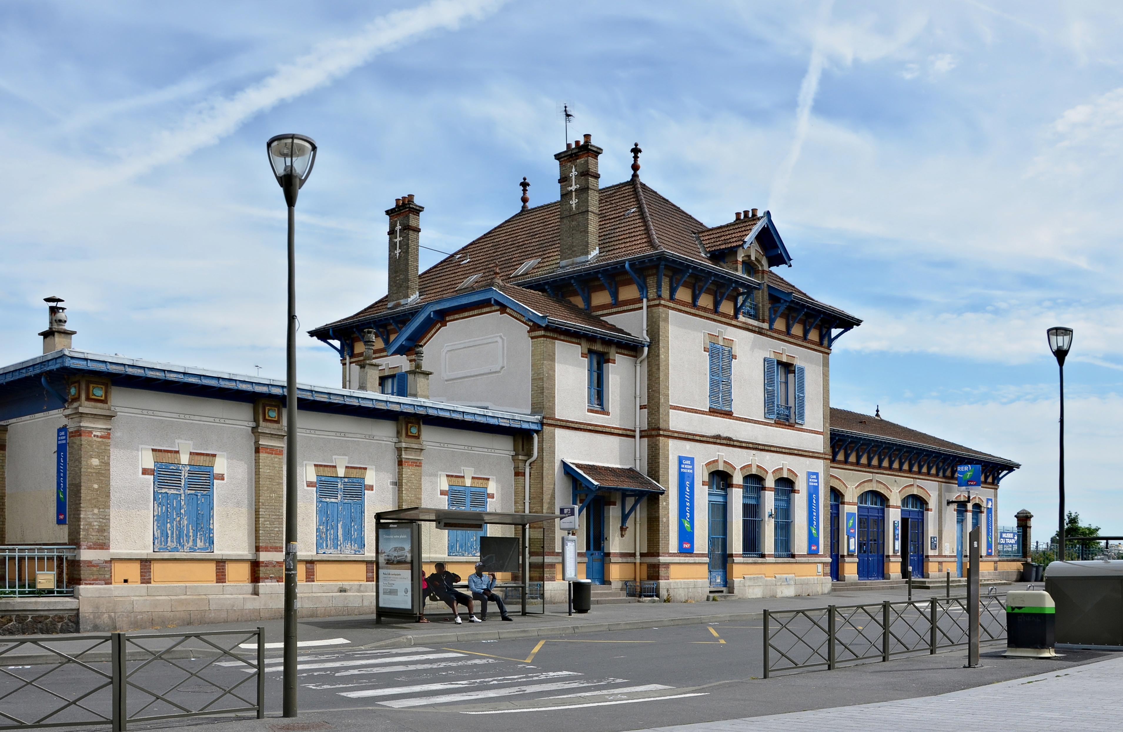 Gare de Rosny sous Bois  horaires, histoire et informations pratiques