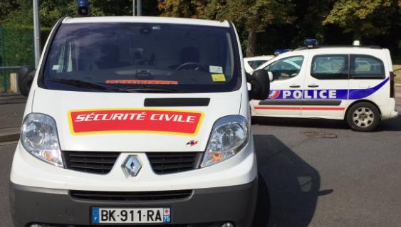 Vehicules police et démineurs